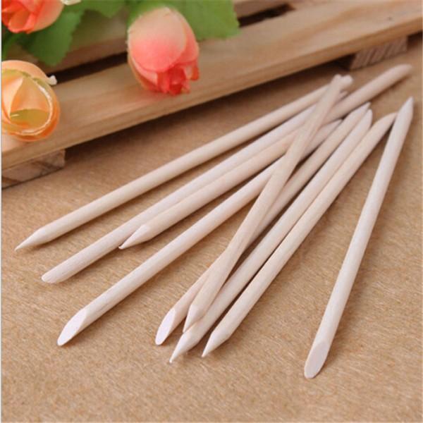 ClioMakeUp-cura-unghie-prodotti-accessori-essenziali-manicure-spingicuticole-legno