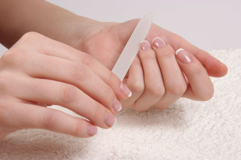 ClioMakeUp-cura-unghie-prodotti-accessori-essenziali-manicure-limare-unghie