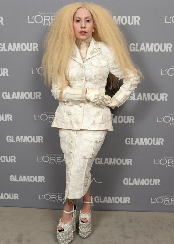 cliomakeup-lady-gaga-evoluzione-look-abiti-stravaganti-5