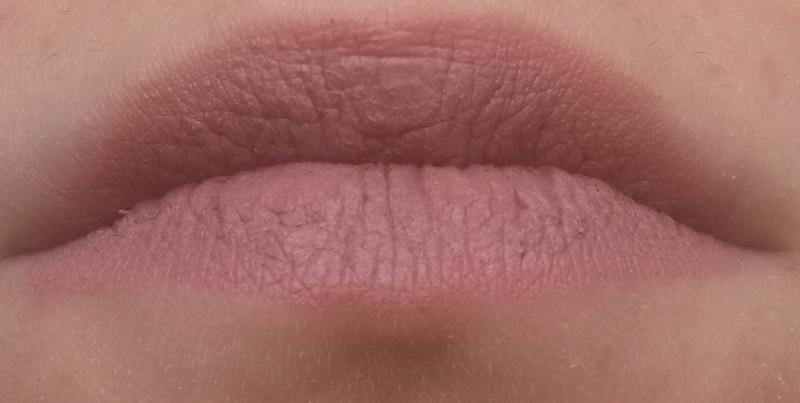 ClioMakeUp-recensione-madina-matte-lipstick-01-swatch
