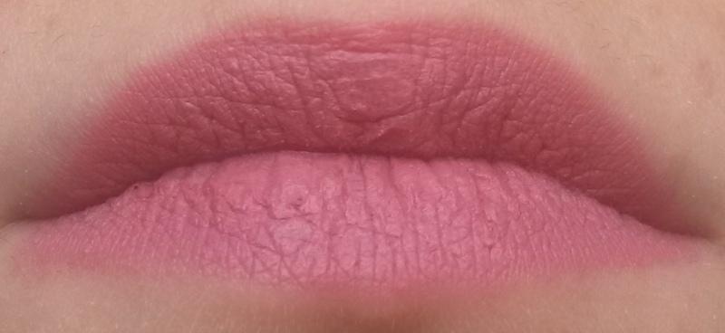 ClioMakeUp-recensione-madina-matte-lipstick-02-swatch