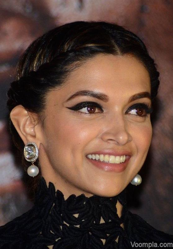 cliomakeup-bellezze-indiane-priyanka-chopra-aishwarya-ray-look-dive-bollywood-deepika-padukone-makeup-eyeliner