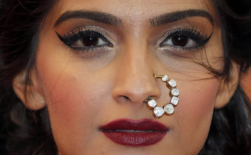 cliomakeup-bellezze-indiane-priyanka-chopra-aishwarya-ray-look-dive-bollywood-look-sonaam-kapoor-makeup-3