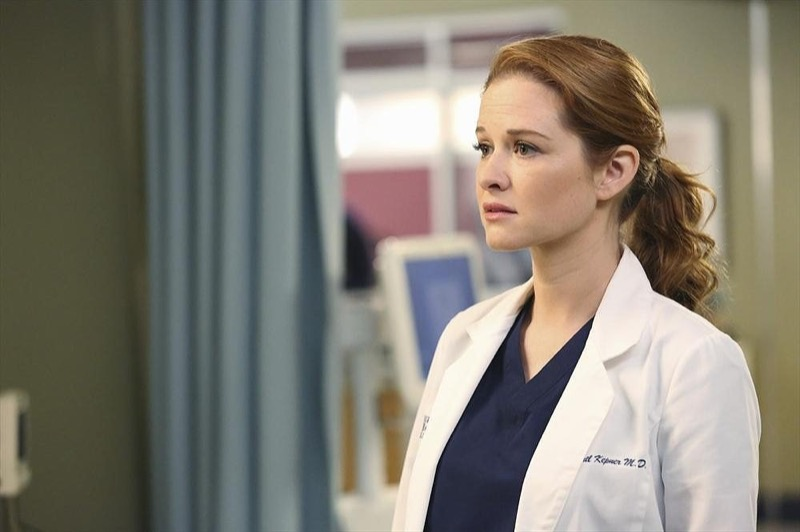 ClioMakeUp-Greys-Anatomy-trucchi-coolspotting-capelli-april-kepner-capelli-coda