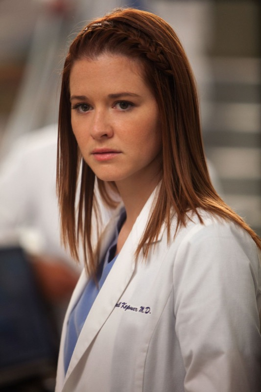 ClioMakeUp-Greys-Anatomy-trucchi-coolspotting-capelli-april-kepner-treccia