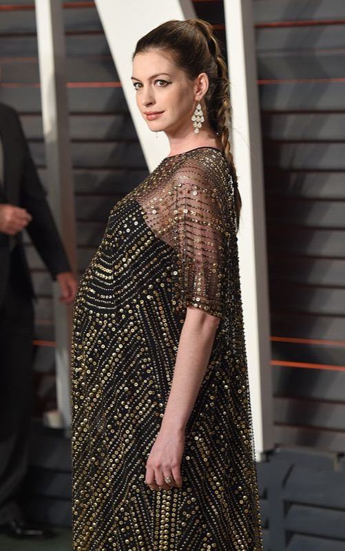 ClioMakeUp-oscar-2016-after-party-look-trucco-make-up-abiti-vestiti-capelli-Anne-Hathaway-3.jpg
