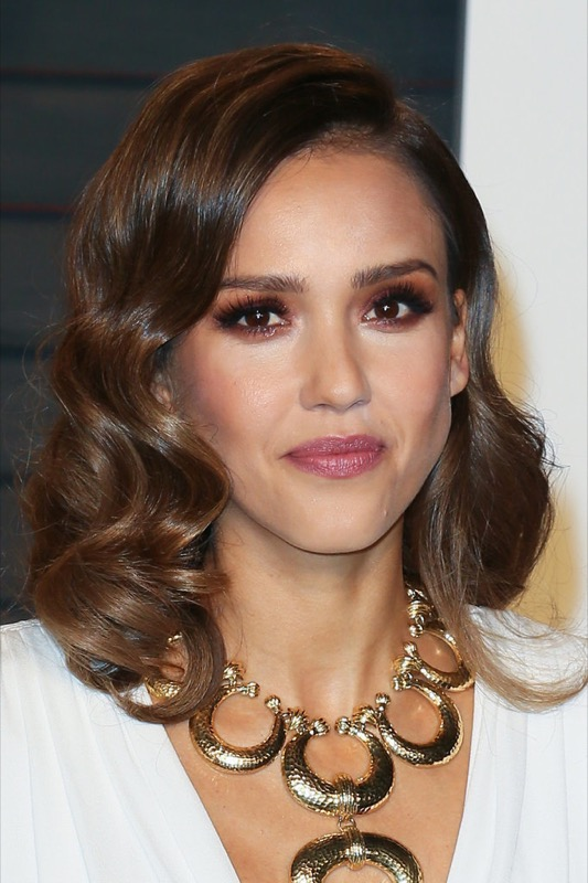 ClioMakeUp-oscar-2016-after-party- look-trucco-make-up-abiti-vestiti-capelli-Jessica-Alba-2