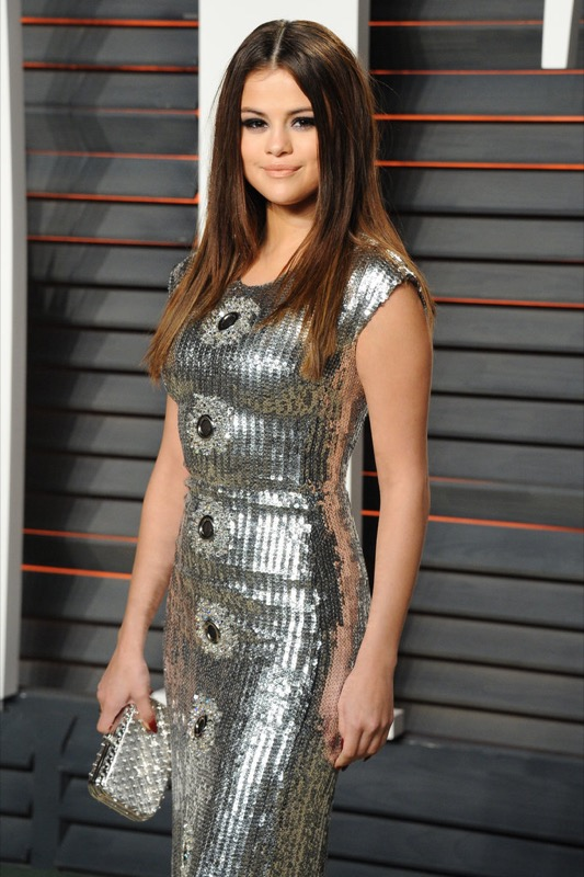 ClioMakeUp-oscar-2016-after-party- look-trucco-make-up-abiti-vestiti-capelli-Selena-Gomez