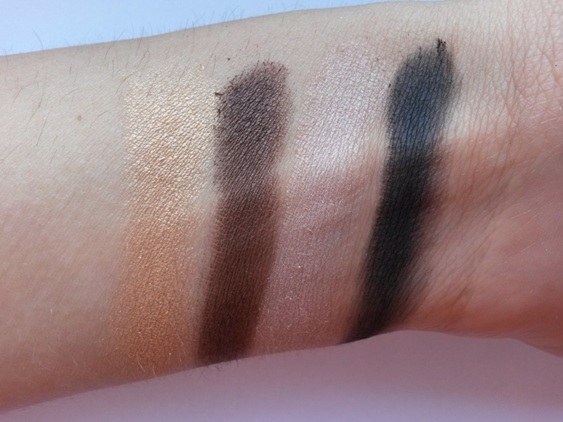 ClioMakeUp-recensione-palette-maybelline-the-nudes-swatch-3