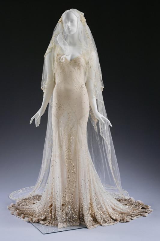 ClioMakeUp-spose-iconiche-famose-matrimonio-vestito-kate-moss_1