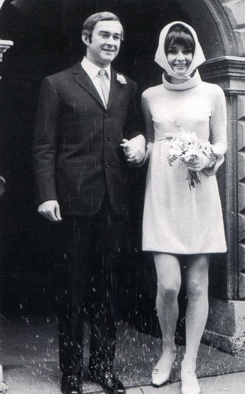 ClioMakeUp-spose-iconiche-famose-matrimonio-vestito-look-audrey-hepburn-andrea-dotti-rosa_
