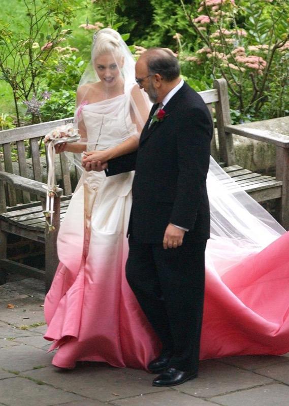 ClioMakeUp-spose-iconiche-famose-matrimonio-vestito-look-gwen-stefani-john-galliano-1