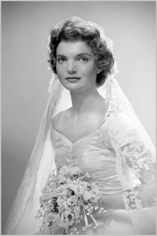 ClioMakeUp-spose-iconiche-famose-matrimonio-vestito-look-jackie-kennedy-beauty