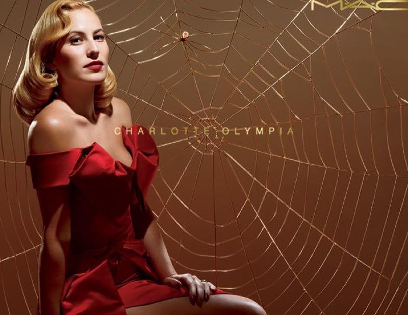ClioMakeUp-trucco-anni-50-capelli-vintage-retrò-vestiti-abiti-stile-charlotte-olympia