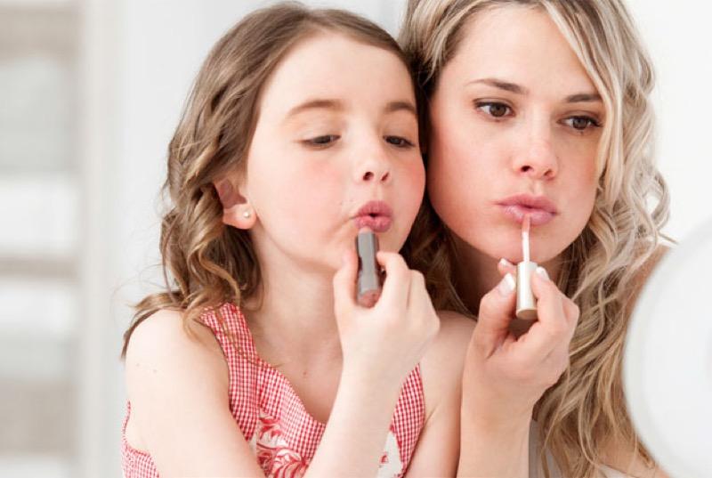 ClioMakeUp-trucco-skincare-ogni-età-bambine-10-anni-gioco