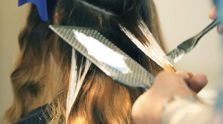 cliomakeup-balayage-tecnica-scharire-capelli-parrucchiere-effetti