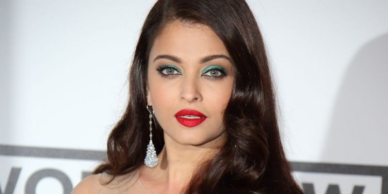 cliomakeup-bellezze-indiane-priyanka-chopra-aishwarya-ray-look-dive-bollywood-makeup