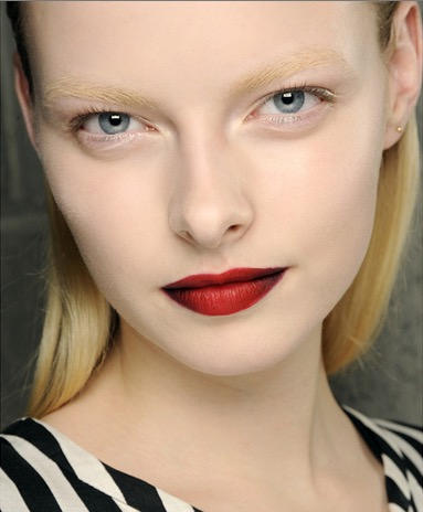 cliomakeup-contouring-labbra-5-rosso-marrone