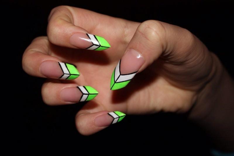 cliomakeup-forme-unghie-mani-modella-uddo-ovali-lunghe-corte-edge-3