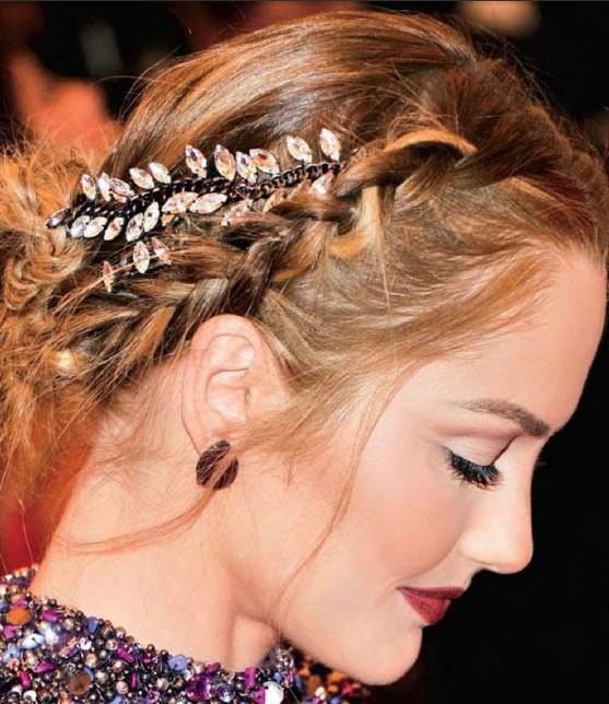cliomakeup-gioielli-capelli-accessori-eleganti-acconciatura-favola-treccia-minka-kelly