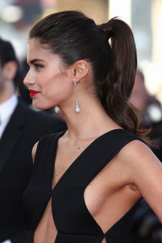 cliomakeup-sara-sampaio-look-trucchi-capelli-makeup-segreti-bellezza-18