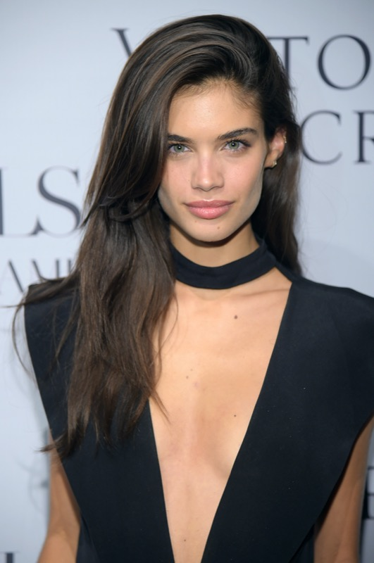 cliomakeup-sara-sampaio-look-trucchi-capelli-makeup-segreti-bellezza-22