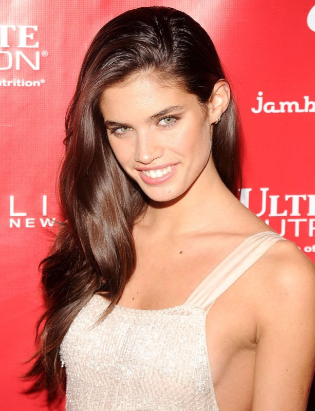 cliomakeup-sara-sampaio-look-trucchi-capelli-makeup-segreti-bellezza-25
