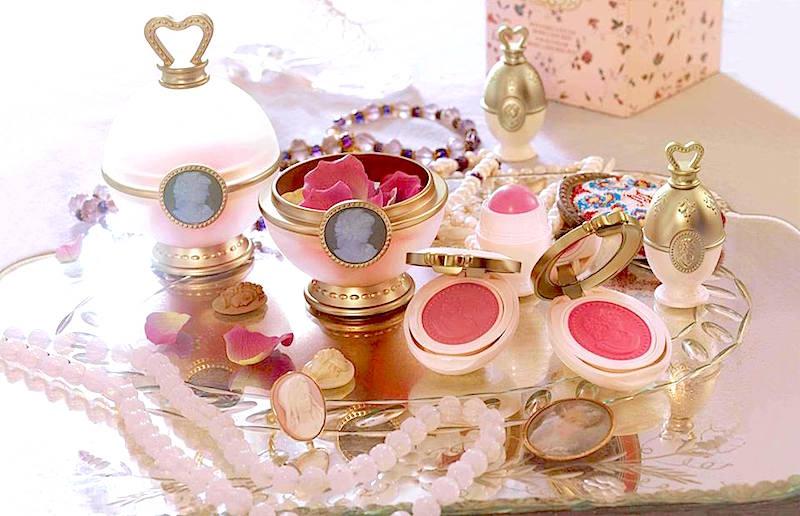 ClioMakeUp-film-influenti-cult-beauty-make-up-stile-laduree-merveilleuses-marie-antoinette
