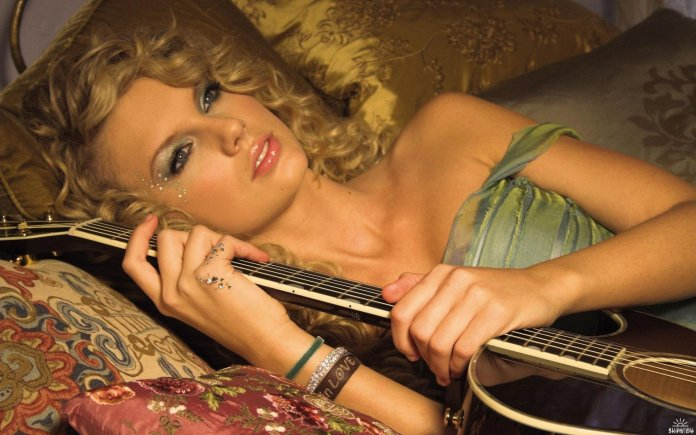 cliomakeup-taylor-swift-prima-dopo-country.jpg