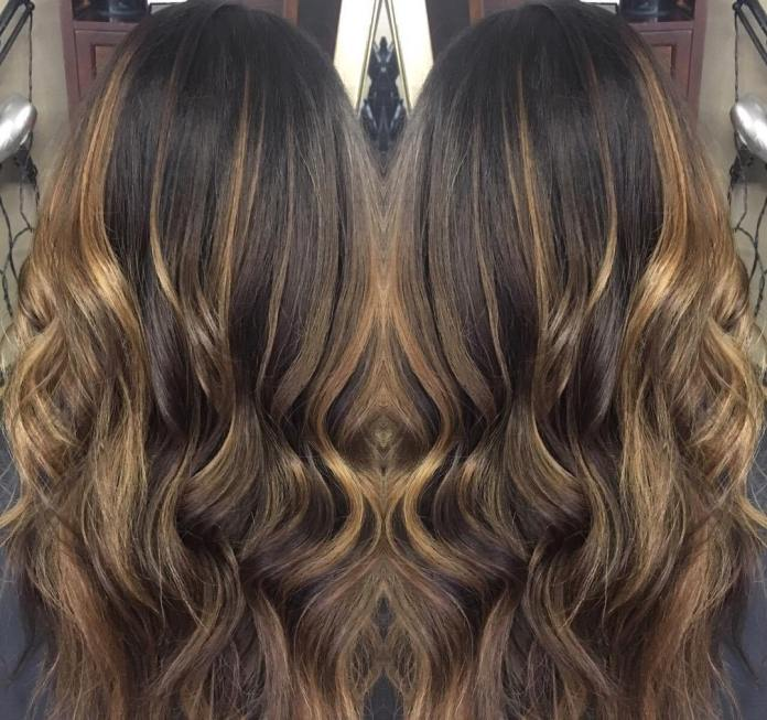 cliomakeup-capelli-toasted-coconut-caramel-balayage-beauty-reflections.jpg