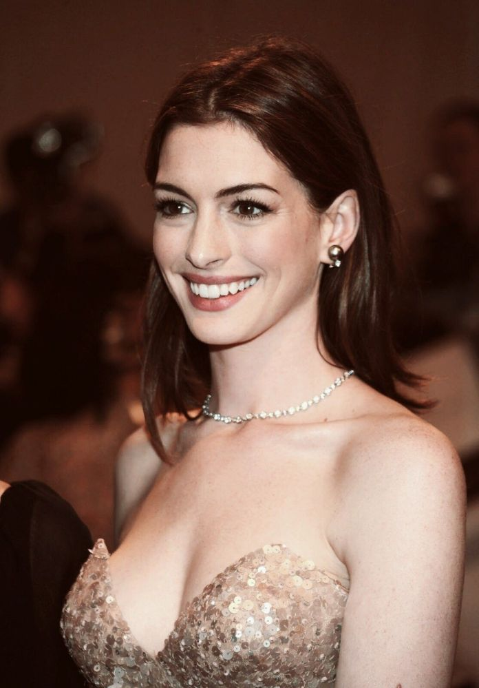 cliomakeup-more-famose-anne-hathaway-pinterest1.jpg
