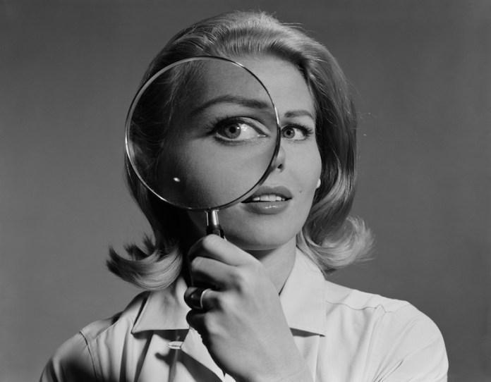 cliomakeup-ginnastica-facciale-antirughe-3-zampe-gallina.jpg