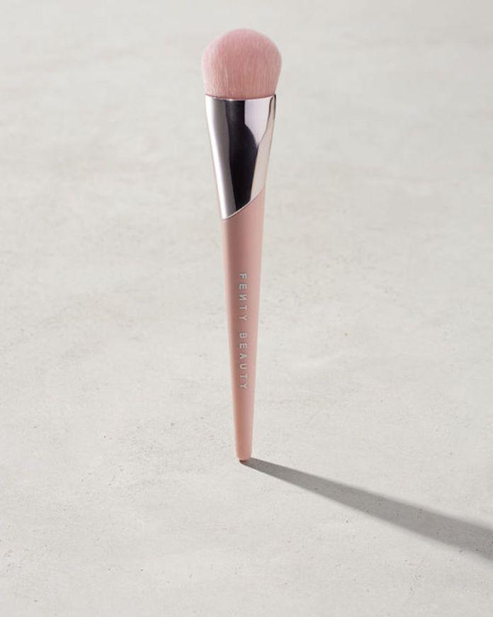 cliomakeup-pennelli-trucco-3-fondotinta