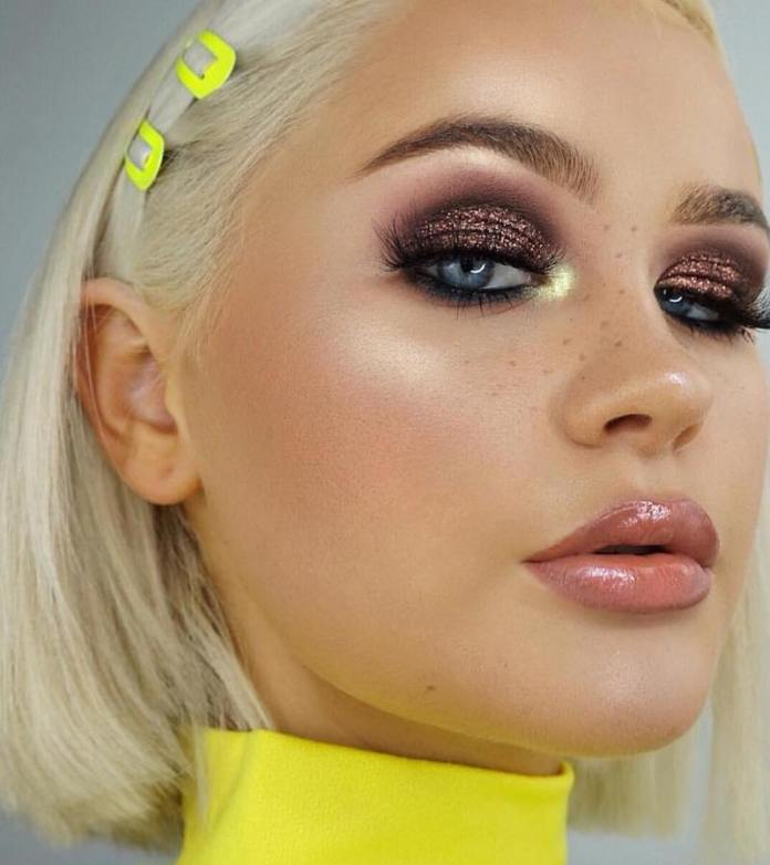 cliomakeup-realizzare-makeup-glitter-portabili-5-smokey-eyes-glitter