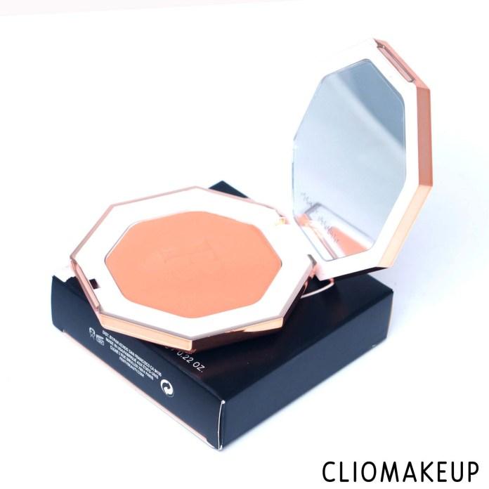 cliomakeup-recensione-bronzer-fenty-beauty-sun-stalk'r-instant-warmth-bronzer-5