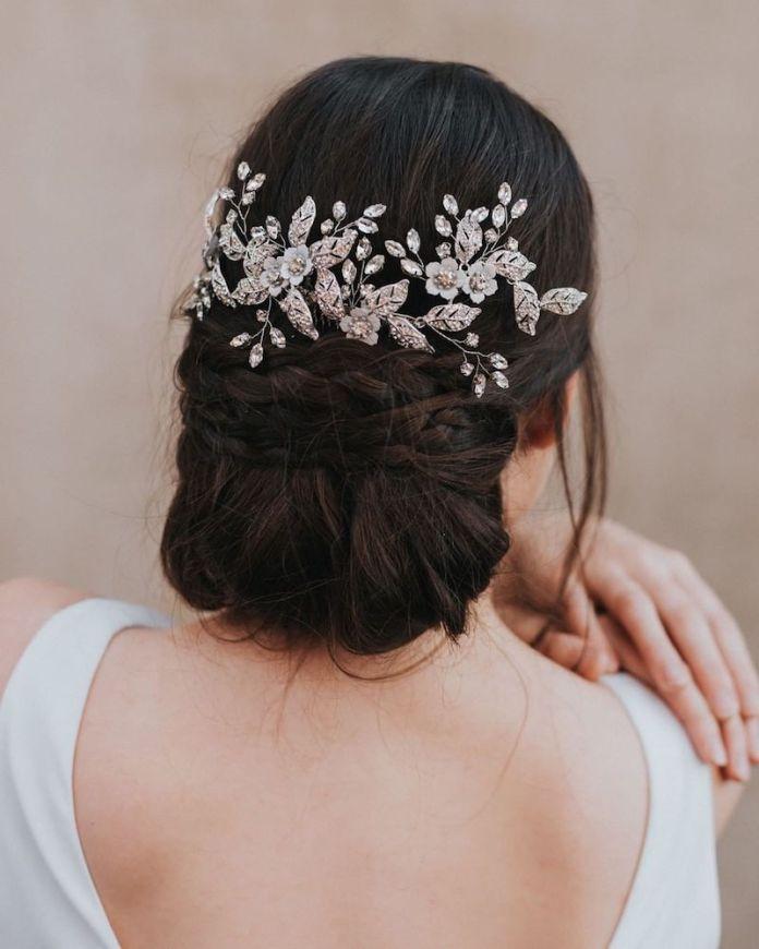 cliomakeup-acconciature sposa capelli lunghi-10-raccolto-trecce-accessori