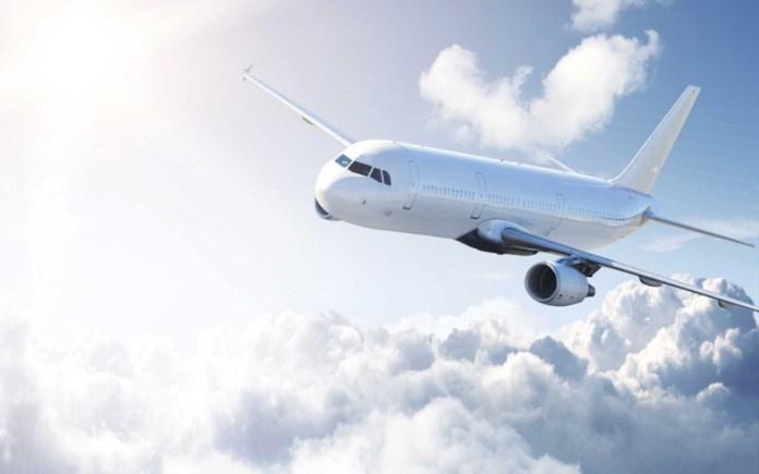 cliomakeup-affrontare-viaggio-aereo-neonato-6-aereo