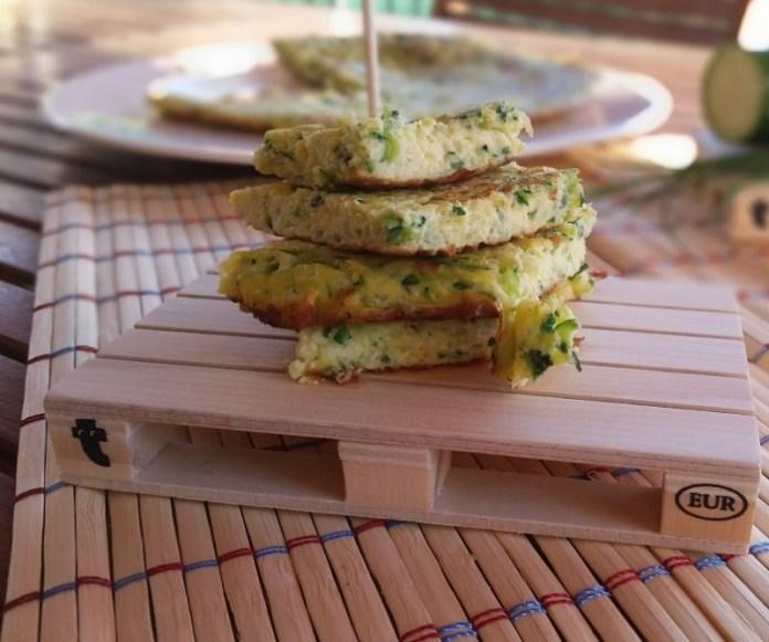 cliomakeup-ricette-pranzo-spiaggia-5-frittata-zucchine-grattugiate
