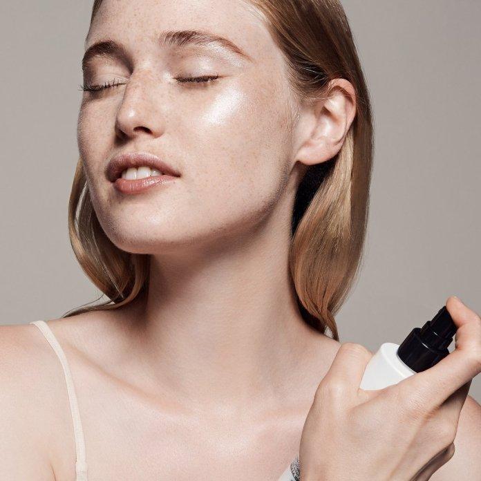 Cliomakeup-top-giugno-2019-8-cover-fx-spray