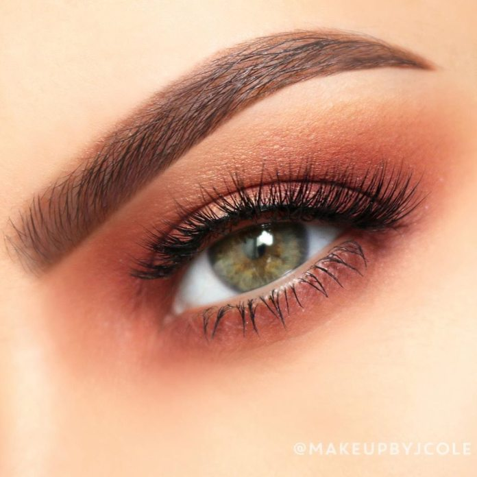 Cliomakeup-trucco-occhi-verdi-estate-7-trucco-arancione