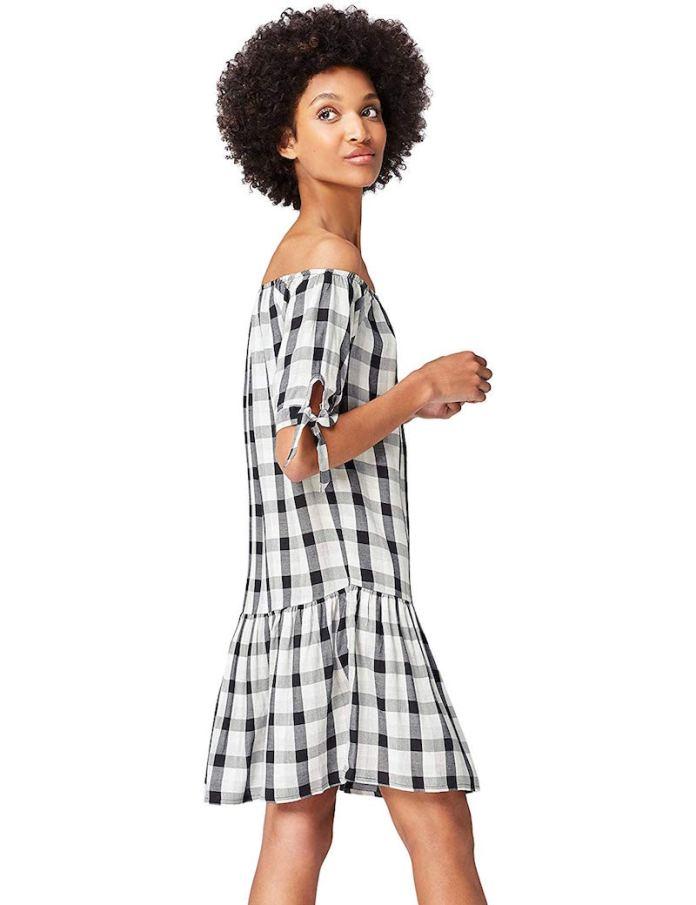 ClioMakeUp-vestiti-corti-16-vestito-mini-scollo-bardot-quadri-amazon-find.jpg