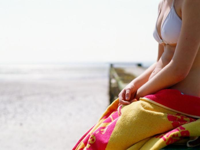 cliomakeup-ciclo-in-estate-spiaggia-jpg