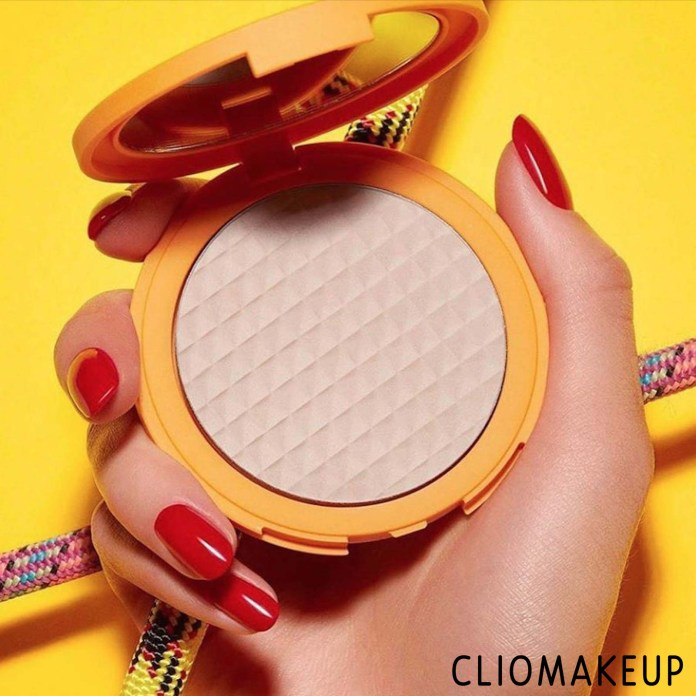 cliomakeup-recensione-cipria-kiko-beyond-limits-fixing-powder-3