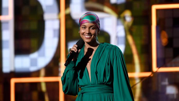ClioMakeUp-turbante-capelli-estate-2019-10-alicia-keys