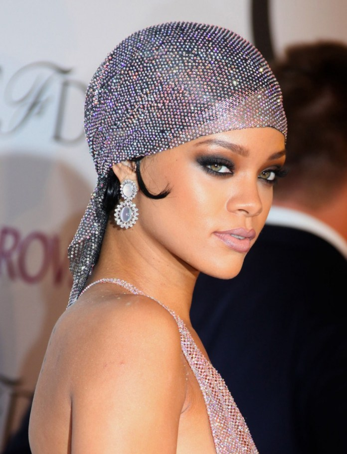 ClioMakeUp-turbante-capelli-estate-2019-9-rihanna