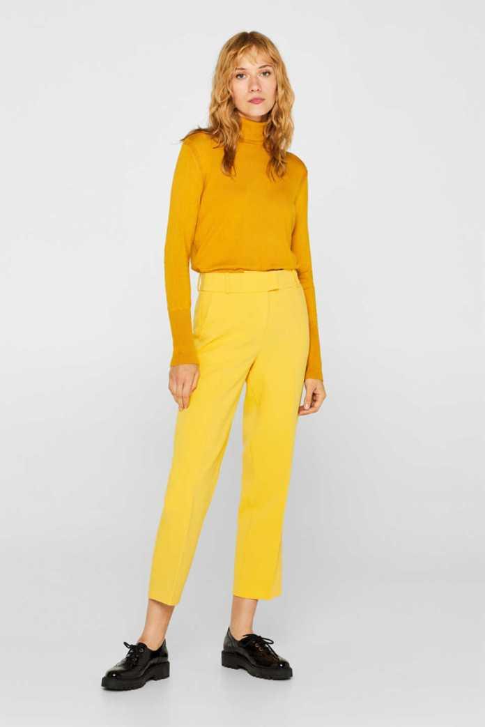 Cliomakeup-colori-che-risaltano-abbronzatura-18-pantaloni-gialli