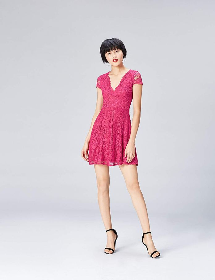Cliomakeup-colori-che-risaltano-abbronzatura-20-vestito-fucsia