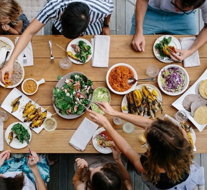 cliomakeup-sgarro-dieta-2-cibo-convivialità