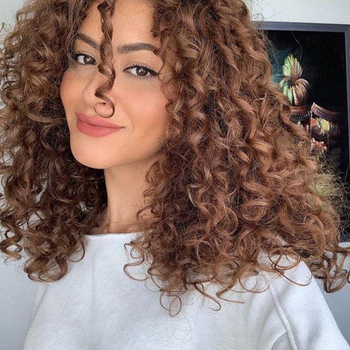 cliomakeup-capelli-ricci-senza-volume-2-sarah-angius