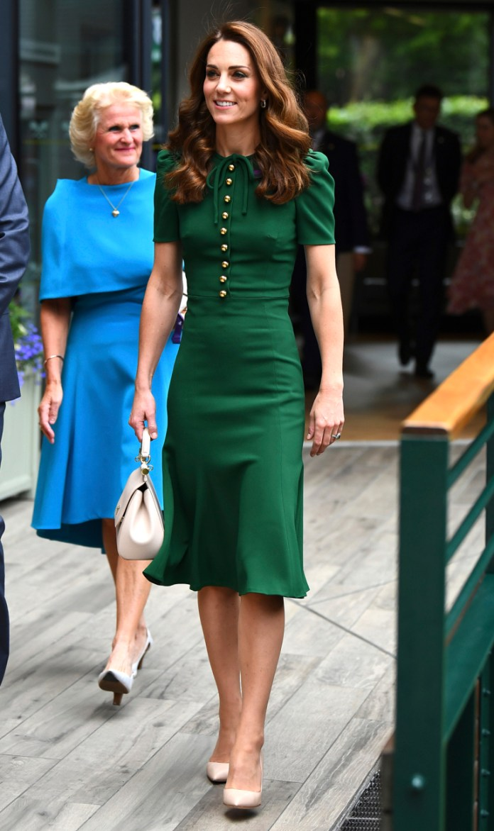 cliomakeup-come-realizzare-blow-dry-11-kate-middleton-abito